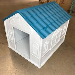 $85 (new in box) waterproof plastic dog house for medium size pet indoor outdoor cage kennel 39x33x32 inches for Sale in Pico Rivera,  CA