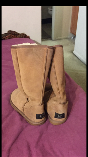 Ugg boots size 9 for Sale in Fairfax, VA