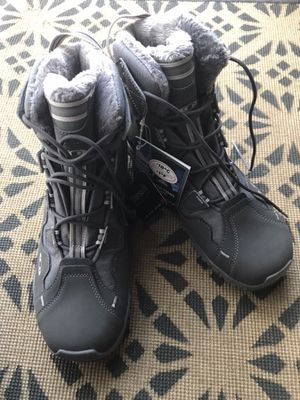 Salomon Women's Snowtrip TS WP Boot for Sale in Springfield, VA