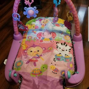 Baby girl Playgym for Sale in Bell Gardens, CA