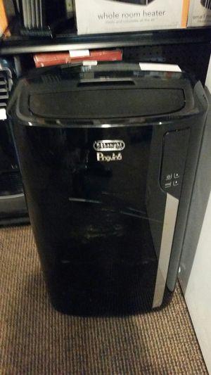 Delonghi 14000 btu portable air conditioner heater for Sale in Modesto, CA