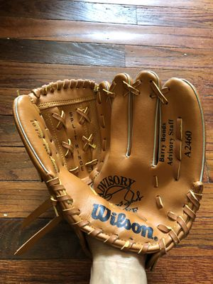 """Wilson 10.5"""" Baseball Glove for use in left hand I think LOL for Sale in Woodbury, NJ"""