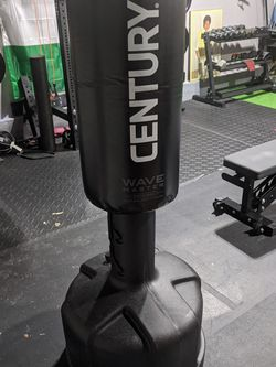 Century Wavemaster Standing Punching Bag for Sale in Fort Washington,  MD