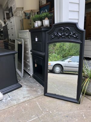 Black tall mirror for Sale in Battle Ground, WA