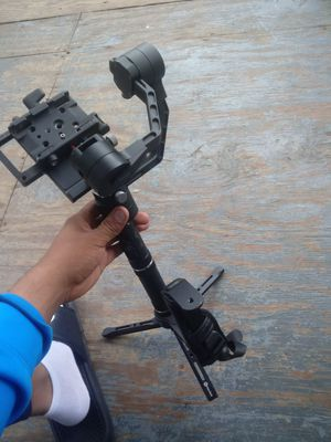 Zhiyun crane 3 gimbal stabilizer axis handheld for Sale in New Haven, CT