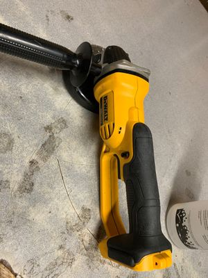 Dewalt dcg412 $ 69 with 2 battery 🔋 & charger 🔌 for Sale in Greensboro, NC