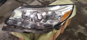 2014 Chevrolet malibu left headlight for Sale in Portland, OR