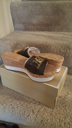 Michael kors size 7.5 for Sale in Tolleson, AZ