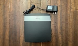 USED Linksys E2500 wireless router for Sale in North Potomac, MD