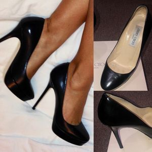 JIMMY CHOO Black Kid Leather Classic Pumps, Orig $675 for Sale in Hollywood, FL