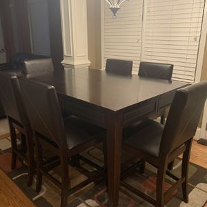 Kitchen Table with 6 Chairs 60x40 for Sale in Atlanta, GA