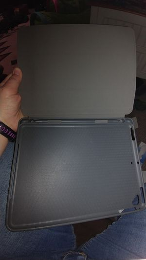 """9.7"""" iPad case for Sale in Lake Wales, FL"""