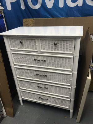 5 drawer Dresser for Sale in Greenville, NC