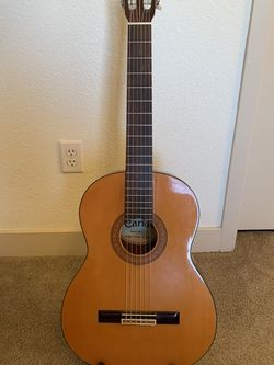 Acoustic Guitar (with stand) for Sale in Goodyear,  AZ