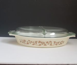 Pyrex Vintage Gold Leaf Acorn Divided Casserole Dish Golden 1-1/2 Qt with Lid for Sale in Plainfield, IL