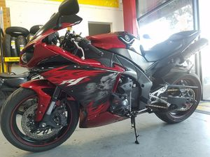 2011 YAMAHA YZFR1 MOTORCYCLE | Clean Title for Sale in Millbrae, CA