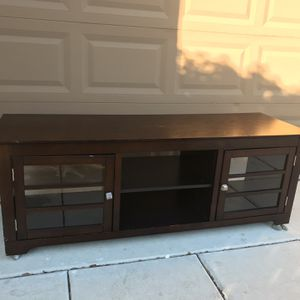 TV Table With Good Condition for Sale in Byron, CA