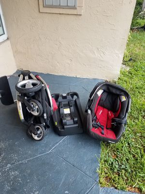 baby stroller car seat and base for Sale in Pompano Beach, FL