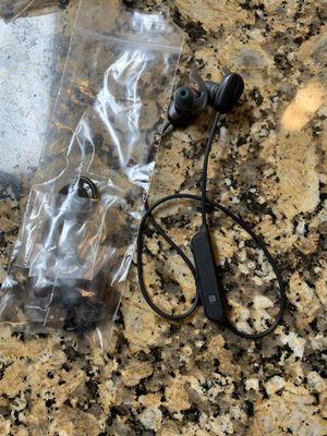 SONY WIRELESS IN-EAR SPORTS HEADPHONES WI-SP600 for Sale in Pembroke Pines, FL