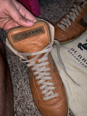 Burberry authentic shoes mens 10.5 or 11 for Sale in Fresno, CA