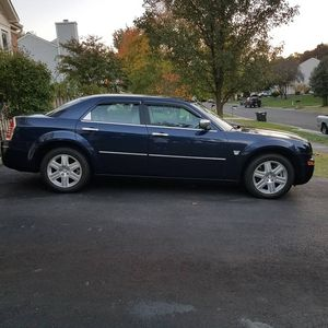 '06 Chrysler 300 Limited AWD for Sale in Gainesville, VA