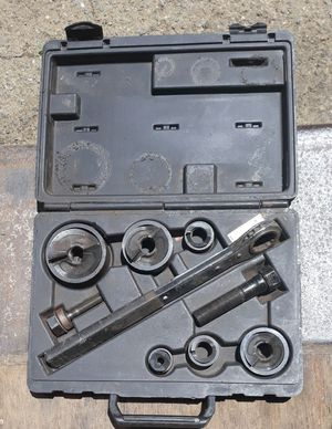 Klein Tools Knockout Punch Set w/ Wrench for Sale in Alameda, CA