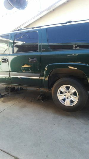 2001 to 2005 gmc/chevy suburban parts for sale for Sale in Corona, CA