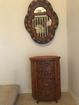 Mirror and table console for Sale in Kissimmee, FL
