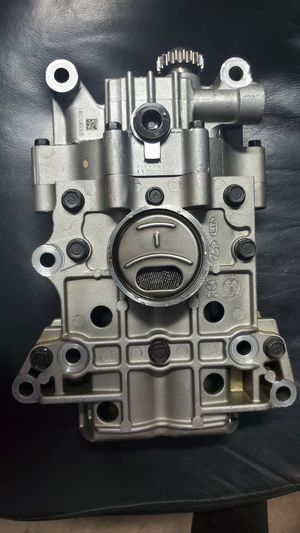 11-19 Kia Hyundai Sonata 2.4L 2.0L OEM Engine Oil Pump 2300-2G450 for Sale in Miami Gardens, FL