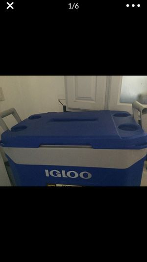 50 gallon igloo cooler for Sale in Long Beach, CA