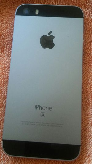 APPLE IPHONE SE 16GB FOR AT&t Or Cricket or H2o , ICLOUD UNLOCKED WORKING GREAT NO PASSWORDS for Sale in Los Angeles, CA