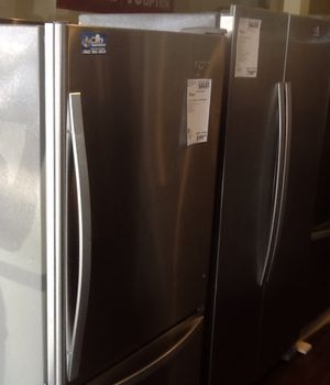 New open box whirlpool refrigerator WRB329DMBM for Sale in Whittier, CA