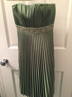 Speechless dress NWT medium green beaded prom formal for Sale in Pittsburgh, PA