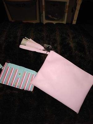 NEW CLUTCH HANDBAG SMALL SIZE WITH WALLET for Sale in Detroit, MI