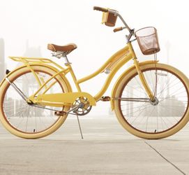 "Huffy 26"" Classic Cruiser Bike. Women's, Yellow. for Sale in Seattle,  WA"