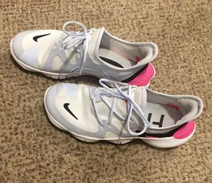 Size 7 Nike Free running shoes-like new for Sale in Cape Coral, FL
