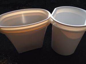 Five new plastic waste bins for Sale in Clarendon Hills, IL