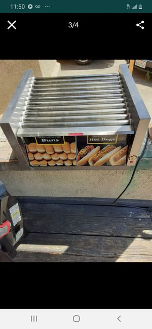 Star hotdog grill with bun storage. Professional quality.cost $1600 new asking only $150 great business. for Sale in Stockton, CA