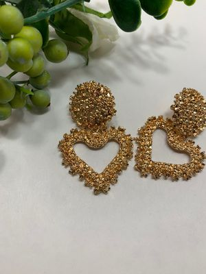 New Fashion Simple Style Embossed Metal Heart Stud Earrings For Women, Gold Color for Sale in Tustin, CA
