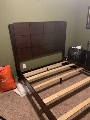 QUEEN BED FRAME! for Sale in O'Fallon, MO