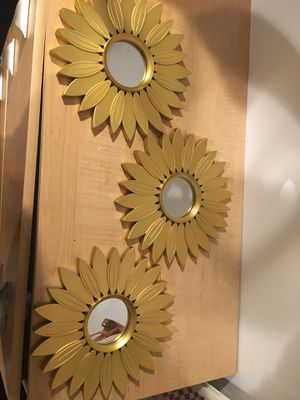 Sunflower 🌻 wall decor for Sale in San Diego, CA
