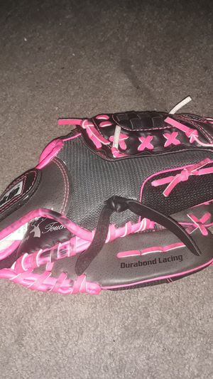 Franklin Fast Pitch Softball Glove for Sale in Las Vegas, NV