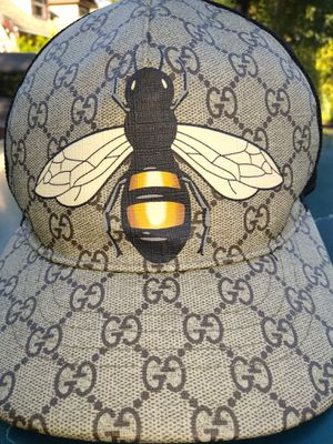 Gucci strapback hat for Sale in Clackamas, OR