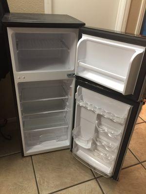 Magic Chef Mini Refrigerator for Sale in North Las Vegas, NV