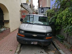 Chevy express g1500 for Sale in Philadelphia, PA