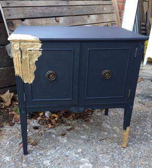 Antique Bar Cabinet for Sale in Nashville, TN