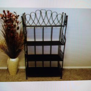 Bakers Rack And Flower Vase for Sale in Oklahoma City, OK