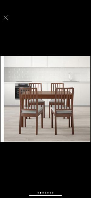 Dining Table - extendable (seats up to 6) for Sale in Nashville, TN