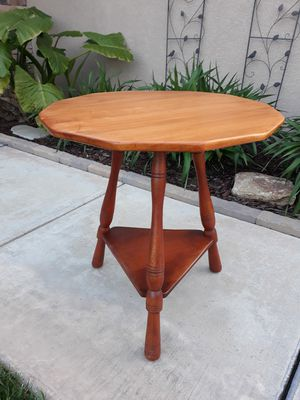 """VINTAGE """"CUSHMAN FURNITURE"""" COLONIAL CREATION ACCENT TABLE (DODECAGON SHAPE TOP) for Sale in Corona, CA"""