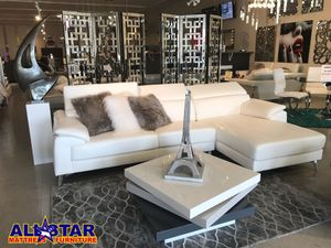 Modern living room sectional.(new)white or Grey for Sale in Kissimmee, FL